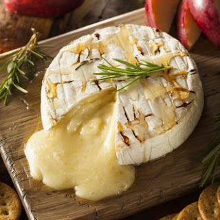 Easy Baked Brie Cheese With Honey Appetizer.
