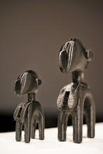 Photo: DavyRIGAULT_TRI-D_LAM  Reproduction en miniature par impression 3D du masque Nimba au LaM de Villeneuve d'Ascq