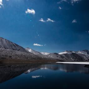 aura @desert 2 by Riju Banerjee - Landscapes Waterscapes ( mountain, snow, gurudongmar lake, lake, sikkim )