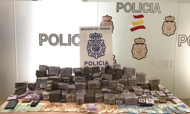 Desmantelado en Algeciras un punto muy activo de venta de hachís en Pajarete