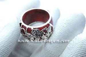 Chiếc nhẫn ngọc - Trần Thùy Mai
