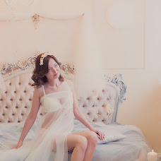 Wedding photographer Kristina Vikulova (Fotogloss). Photo of 27.03.2016