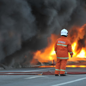 Waiting for backup !!!!!!!! by Pacu Jue - News & Events World Events ( fireman, smoke, fire )