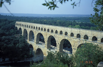 Photo: Pont du Gard plus tourists