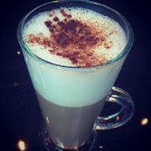 Photo: Una pausa para disfrutar un delicioso #café y la #música de Jason Mraz.  #Buenasnoches