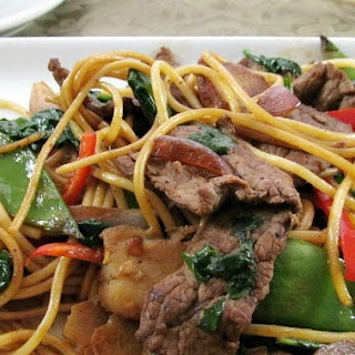 Quick and Easy Beef & Spinach Lo Mein.