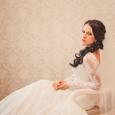 Wedding photographer Natalya Piscova (heat). Photo of 03.12.2013