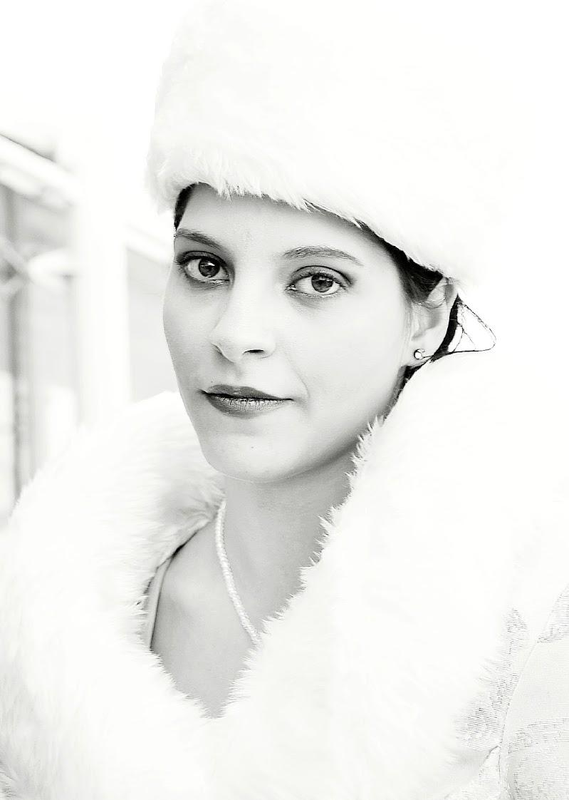 woman in white di silvia_brutti