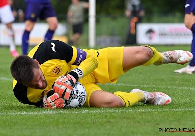 """Anderlecht-doelman Van Crombrugge had het zwaar tijdens revalidatie: """"Ik heb mentaal diep gezeten"""""""