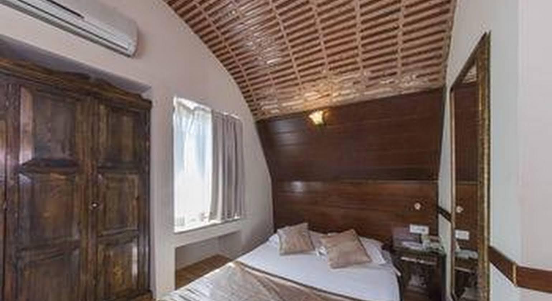 Naz Wooden House Inn