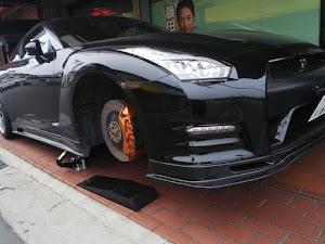 NISSAN GT-R  26年式 プレミアムエディションのサスペンションのカスタム事例画像 コバさんの2019年01月12日17:30の投稿