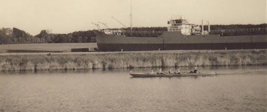 Photo: 1940-erne mellem Fynsværket og Odense Stålskibsværft ca. 1,5 km fra roklubben.