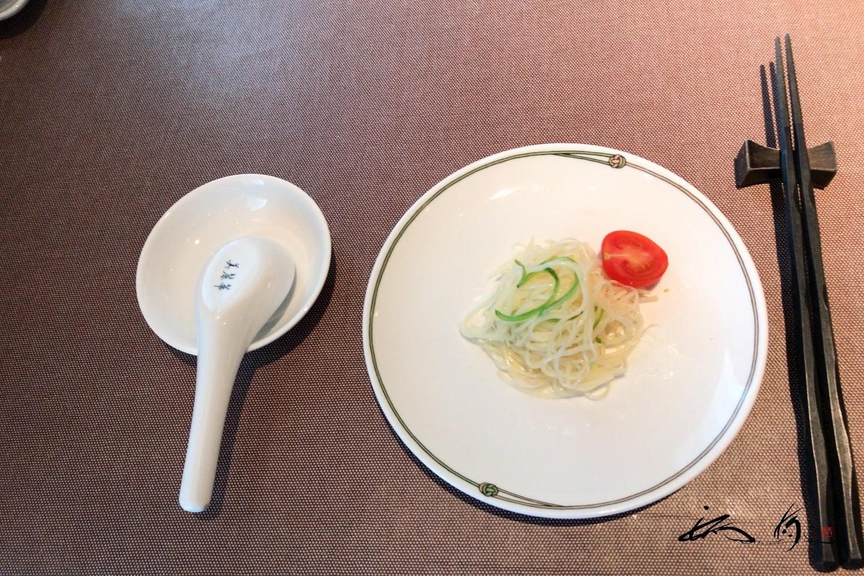 前菜・じゃがいも細麺の和え物