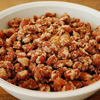 Roasted Almonds – Christmas Market Specialty.