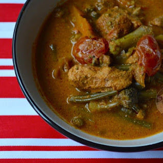 Slow Cooker Chicken Yellow Curry Soup.