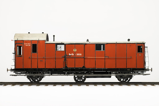 "Passenger train baggage car, ""Berlin 3600"", 1:5 scale model Passenger train baggage car, Side view 1 (on the right)"