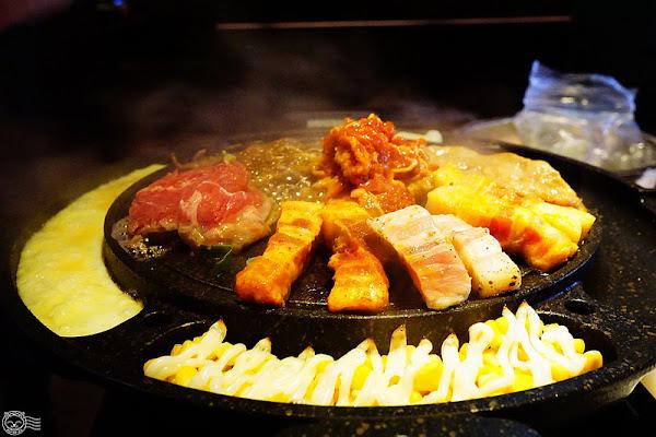 ※ 糕糕在尚(龍富店) ※ Running man指定韓國正宗鐵盤烤肉吃到飽!超過25種食材、韓式小菜通通隨你吃,還有免費韓服拍照超美!【星羽是吃貨-台中南屯】