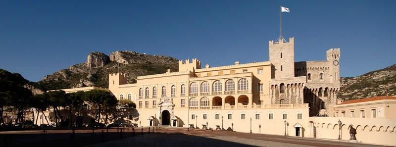 Княжеский дворец Монако (Palais de Monaco) - Княжество Монако - достопримечательности, путеводитель, что посмотреть в Монако, как добраться в Монако, расписание транспорта в Монако