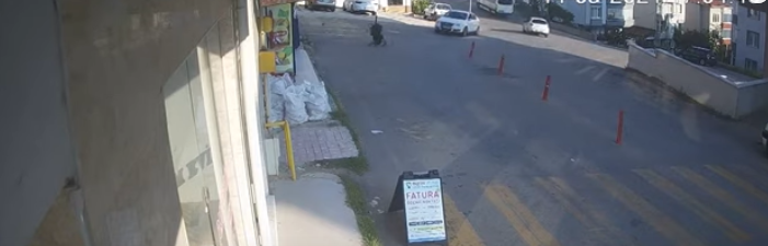 WATCH | Panicking mom runs after stroller with baby inside as it rolls down steep road