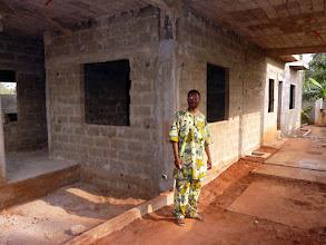 Photo: sitôt les portes et fenêtres posées, il habitera ici, pour économiser le trop cher loyer ( 60 euros...)