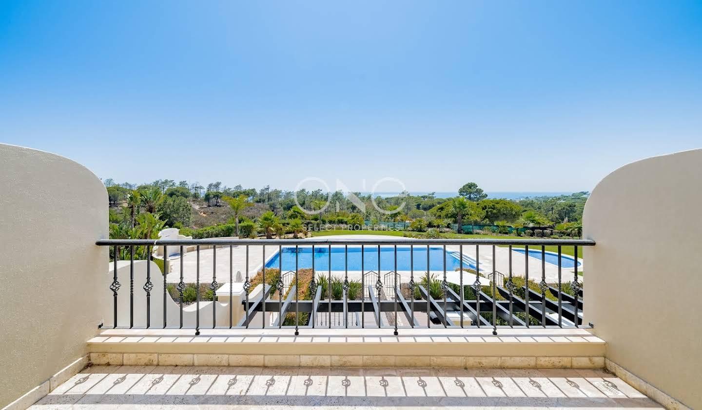 Appartement avec terrasse et piscine Almancil