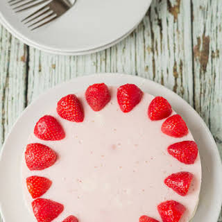No Bake Strawberry Mousse Cheesecake.