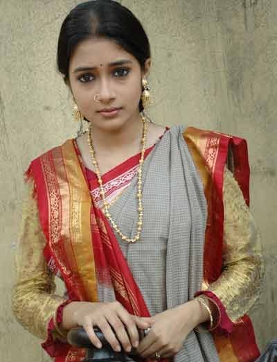 Tina Dutta in saree, Tina Dutta hot in saree