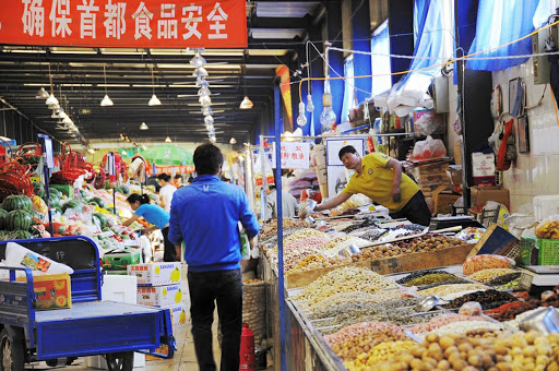 Beijing-market - Find a market in Beijing and browse the local produce.