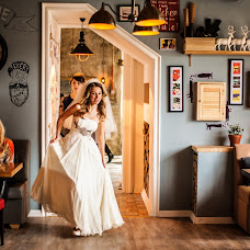 Wedding photographer Anastasiya Khaus (FiFi-House). Photo of 08.03.2015
