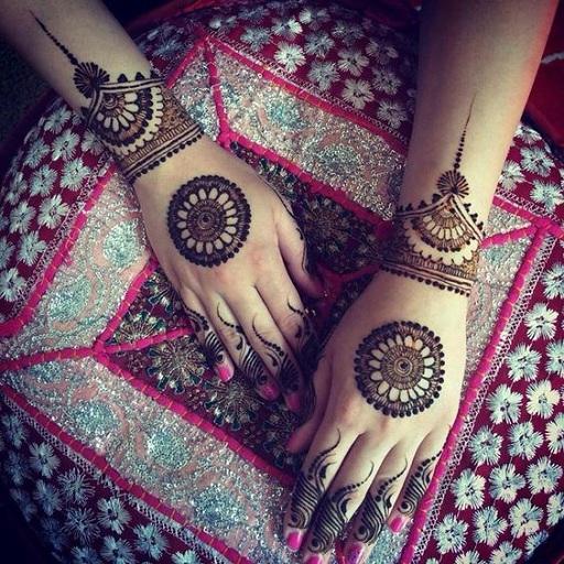 Simple Mehndi Designs For Girl