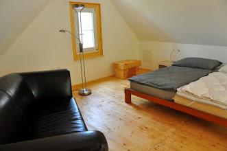 Photo: Wohnlich auf 35 m² unterm Dach . . .