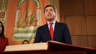 Juan Manuel Moreno jura el cargo.