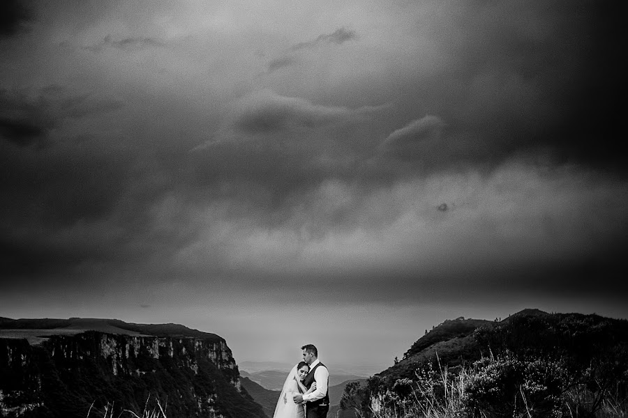 Wedding photographer Nei Bernardes (bernardes). Photo of 24.08.2015