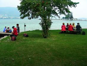 Photo: La pause de midi au bord du lac de Bienne
