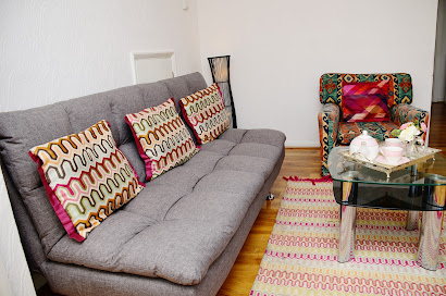 4 Bedrooms Near LHR Airport - Staines