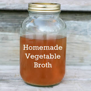 Homemade Vegetable Broth (Made With Vegetable Scraps).