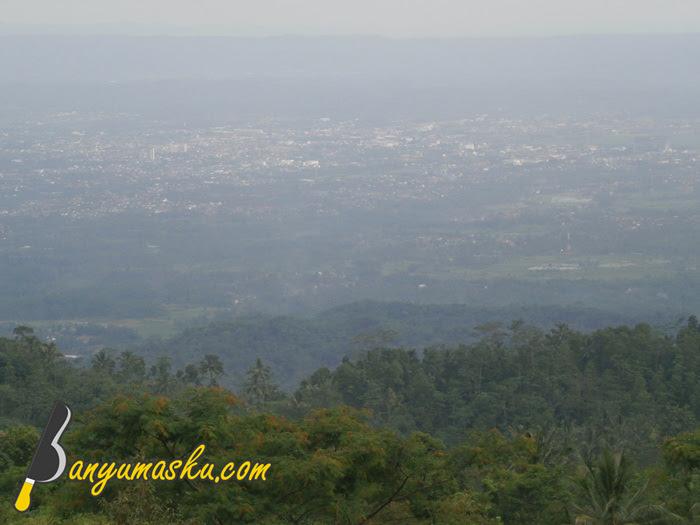 Pemandangan dari atas Bukit Tranggulasih