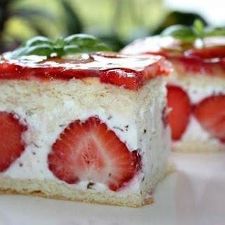 Cakes «Strawberry».
