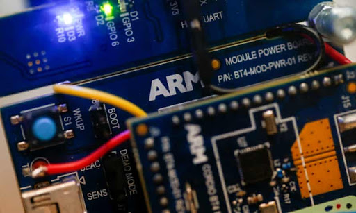 Cloud giants are customizing their own chips – here's why