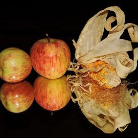 apples by SANGEETA MENA  - Food & Drink Fruits & Vegetables