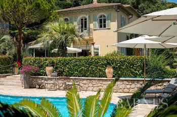 propriété à Saint-Jean-Cap-Ferrat (06)