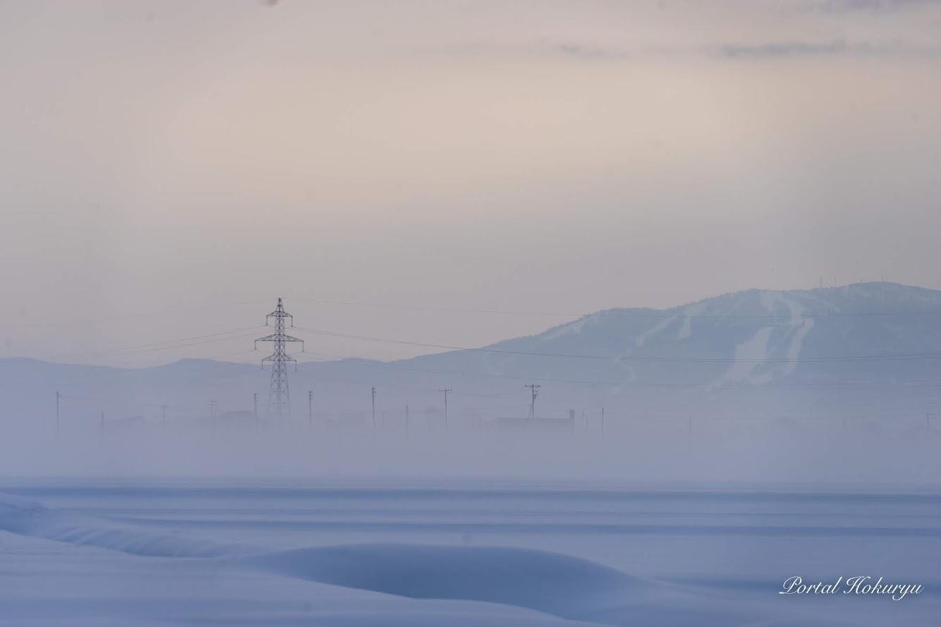 霧にむせぶ風景