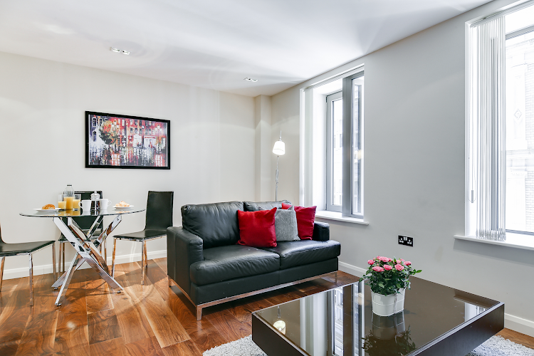 Aston House Serviced Apartments, Farringdon living room