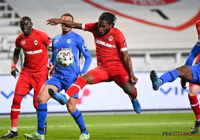 "Dieumerci Mbokani: ""Ma priorité? Rester à l'Antwerp"""