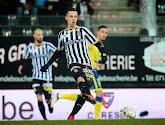 Le médian de Charleroi Gaëtan Hendrickx va vendre un maillot du Sporting Charleroi aux enchères