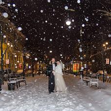Wedding photographer Oleg Postolaka (LuckyPhotos). Photo of 13.12.2012