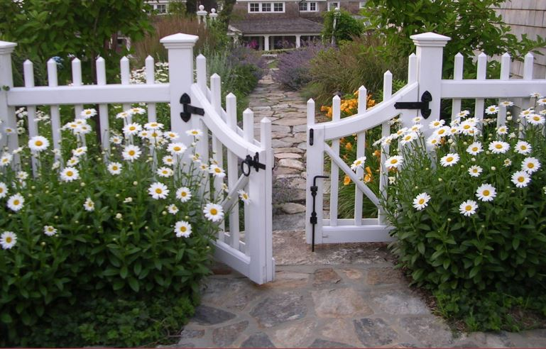 Give Your Fence A Facelift