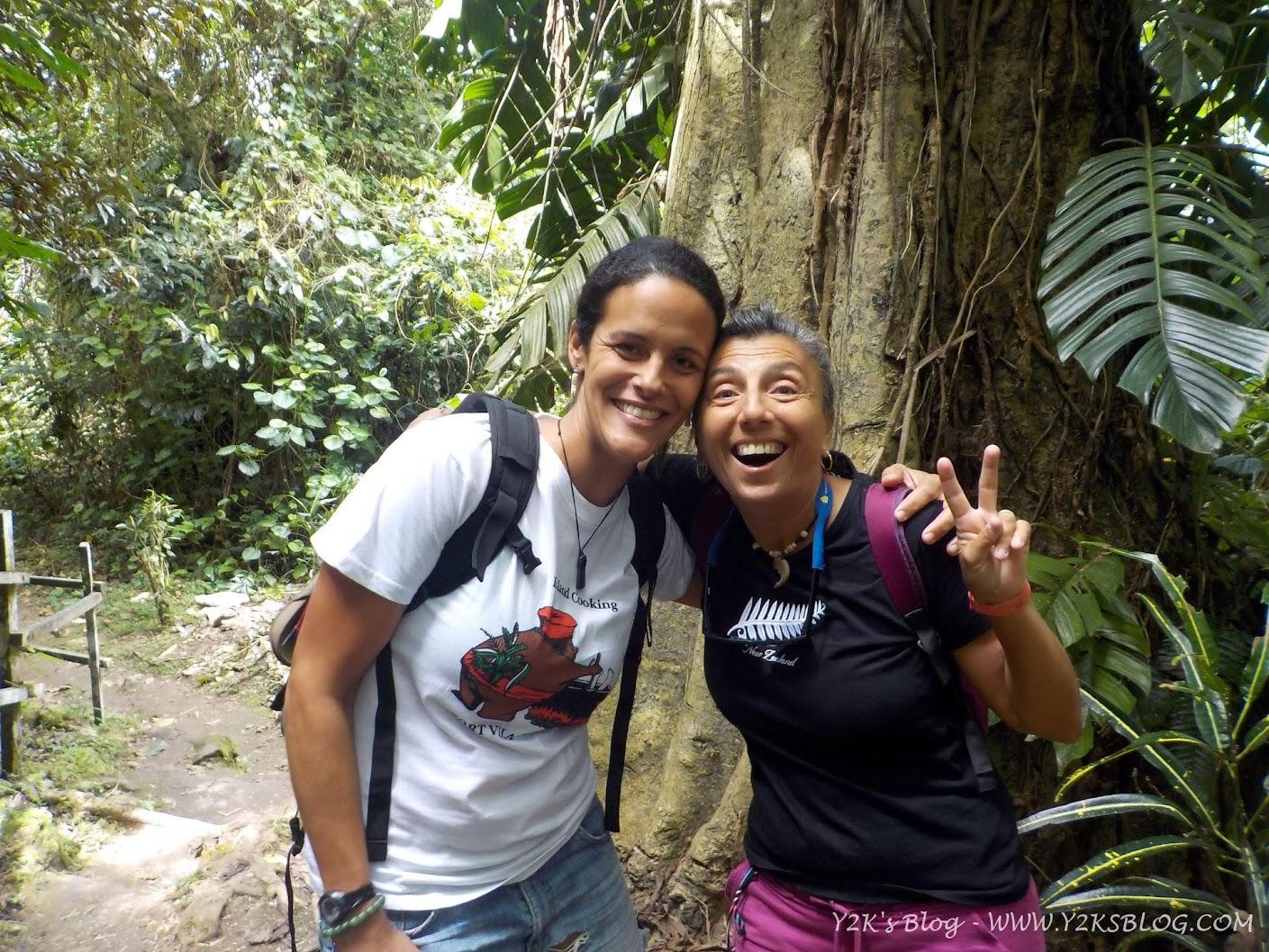 Con Marina alle Evergreen Cascades Waterfall - Efate