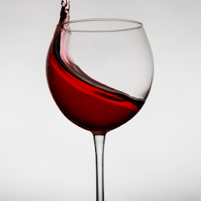 Red wine! by Fabrizio Contadini - Food & Drink Alcohol & Drinks ( lights, wine, flash, red, still life, glass, reflections, study )