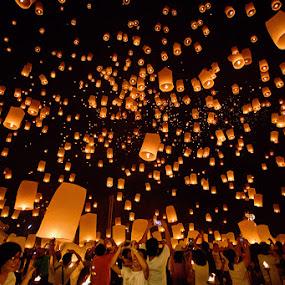 Yi Peng Festival by Joseph Goh Meng Huat - Public Holidays Other ( lantern, thailand tourism, yi peng, yi peng festival, thailand, chiang mai lantern festival, tourism, festival, chiang mai, lantern festival )